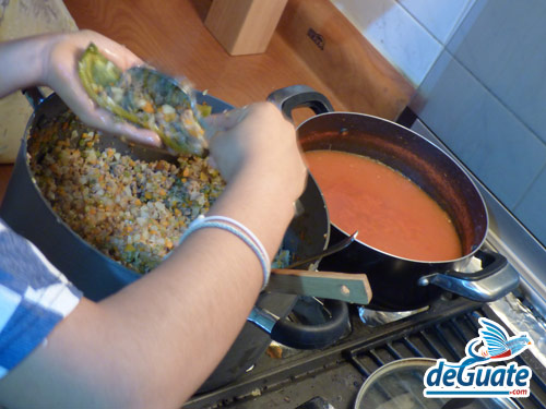 Chiles rellenos chapines