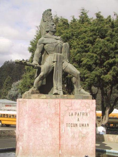 Monumento a Tecun Uman en Quetzaltenango