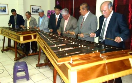 https://www.deguate.com/artman/uploads/34/marimba-7.jpg