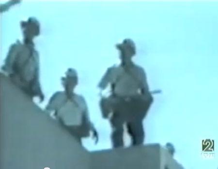 La policia ocupa la embajada española