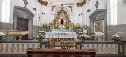 https://www.deguate.com/artman/uploads/36/6-capilla-del-sant_simo-sac.jpg