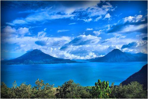 Lago Atitlan y Volcanes