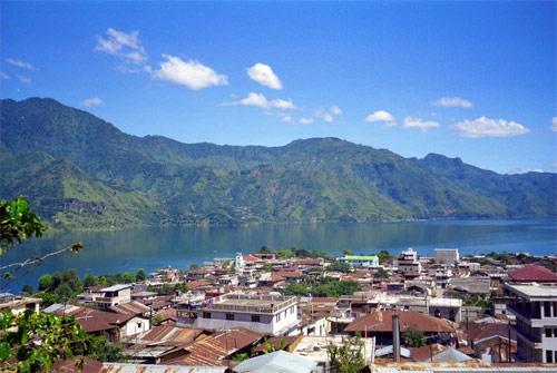 https://www.deguate.com/artman/uploads/38/San-Pedro-la-laguna-4.jpg