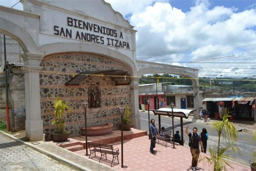 Entrada a San Andrés Itzapa, Chimaltenango