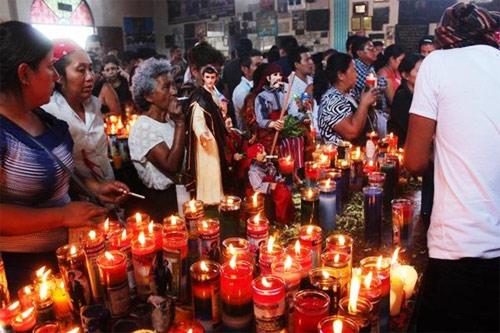 Fiesta a San Simón en San Andrés Itzapa, Guatemala