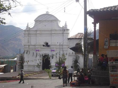 https://www.deguate.com/artman/uploads/39/Iglesia-Sacapulas-Quiche-02.jpg