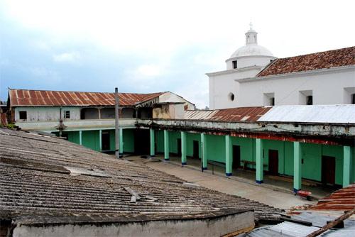 https://www.deguate.com/artman/uploads/39/Interior-del-cuartel-General.jpg