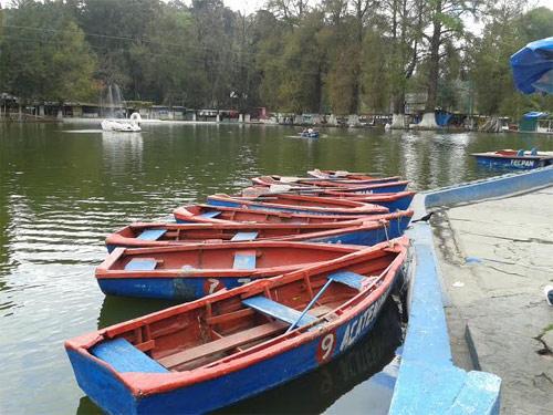 Lanchas disponibles en Los Aposentos, Chimaltenango