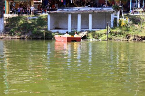 Bici-lanchas (o botes con pedales) disponibles en Los Aposentos, Chimaltenango