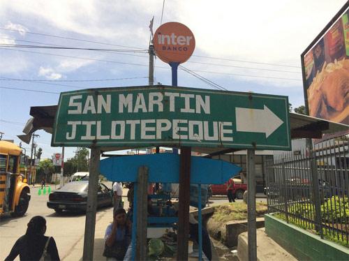 Señalización hacia San Martin Jilotepeque, Chimaltenango
