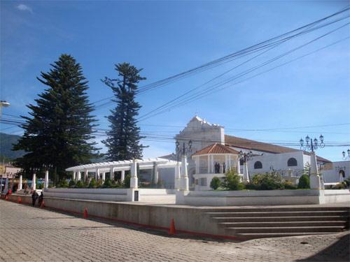 Plaza central de Tecpán, Chimaltenango, Guatemala