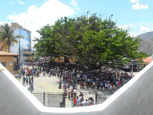 https://www.deguate.com/artman/uploads/39/Plaza-en-Sacapulas-Quiche.jpg