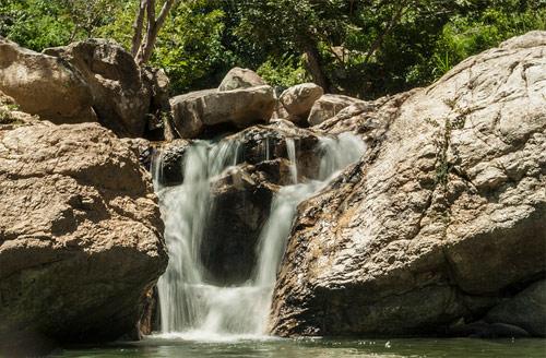 https://www.deguate.com/artman/uploads/39/Quebrada-onda-en-Joyabaj-Quiche.jpg