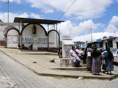 Entrada al municipio de San Andrés Itzapa, Guatemala