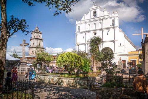 https://www.deguate.com/artman/uploads/39/Santa-Cruz-del-Quiche-01.jpg