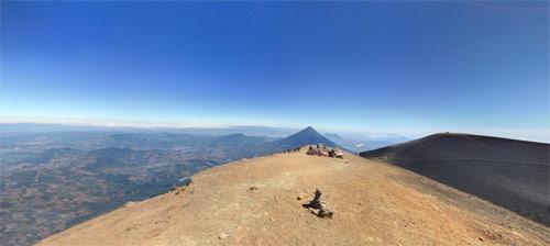 Vista panorámica del volcan Acatenango, Chimaltenango, Guatemala