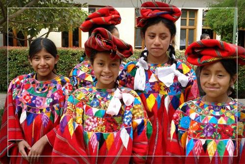 Traje típico de Chimaltenango, San Juan Comalapa, Guatemala