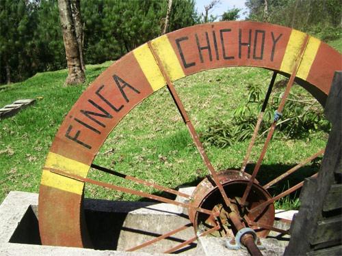 Rueda de madera en Finca Chichoy, Tecpán, Chimaltenango