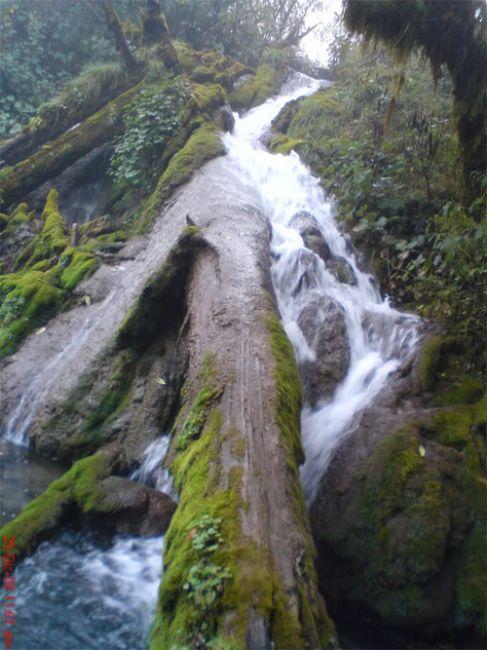 Cascada en Laguna Magdalena, Chiantla, Huehuetenango