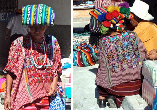 Huehuetecas portando el colorido traje típico de Huehuetenango, Guatemala