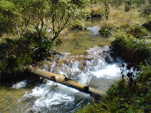 Riachuelo en Laguna Magdalena, Chiantla, Huehuetenango