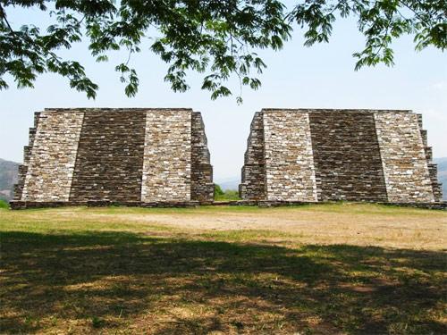 Pirámides gemelas, Mixco Viejo, San Martín Jilotepeque, Chimaltenango