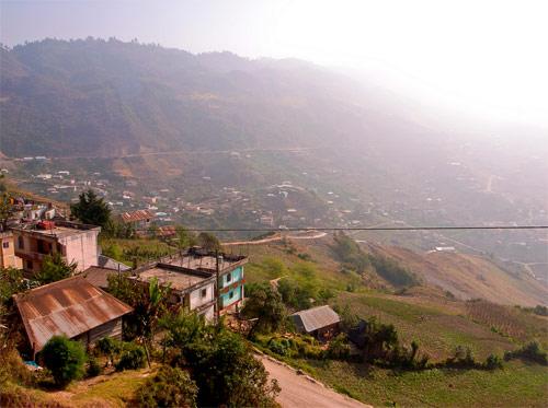 Vista hacia los Cuchumatanes desde San Mateo Ixtatán, Huehuetenango