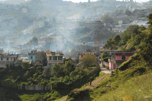 Vista lejana de San Mateo Ixtatán, Huehuetenango, Guatemala.