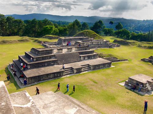Parque Arqueológico Ruinas de Zaculeu, ubicado en municipio de Huehuetenango, Huehuetenango