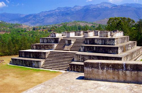 Edificación principal en Parque Arqueológico Zaculeu, Huehuetenango, Huehuetenango