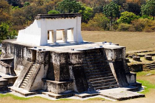 Estructura 4 del Parque Arqueológico Zaculeu, Huehuetenango, Huehuetenango