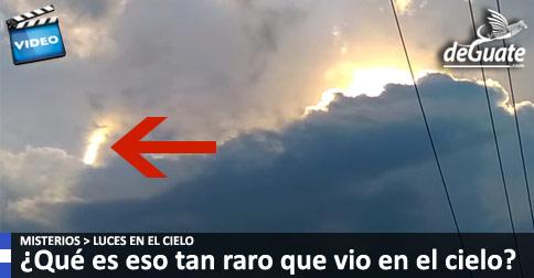 Luz extraña en el cielo