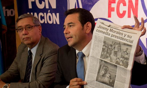 Jimmy Morales vinculos ejercito