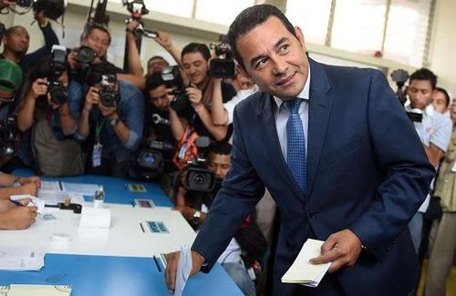 Jimmy Morales gana la presidencia de Guatemala