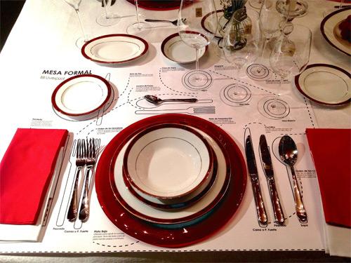 Arreglo de mesas formal e informal