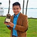 Reportero guatemalteco recibió el Premio Águila por su buen trabajo.