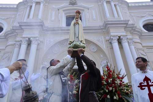 Celebran 100 años de apariciones de la Virgen de Fátima