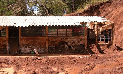Escuela dañada en Guatemala