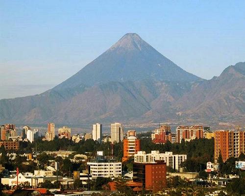 Volcan de Agua desde la Ciudad de Guatemala