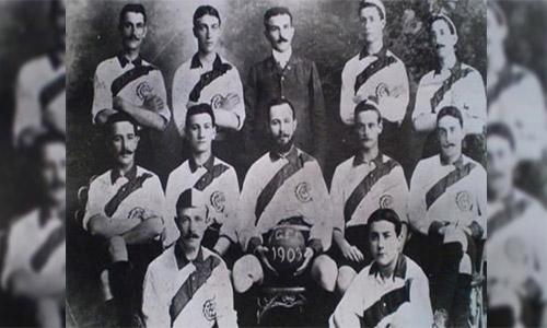 Primer equipo de futbol de Guatemala