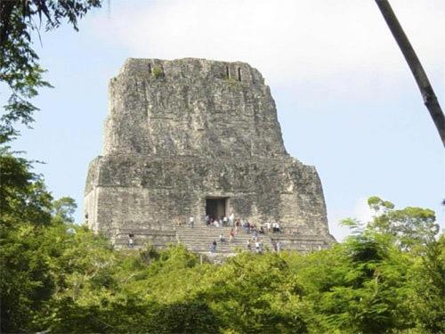 El Templo de la Serpiente Bicéfala