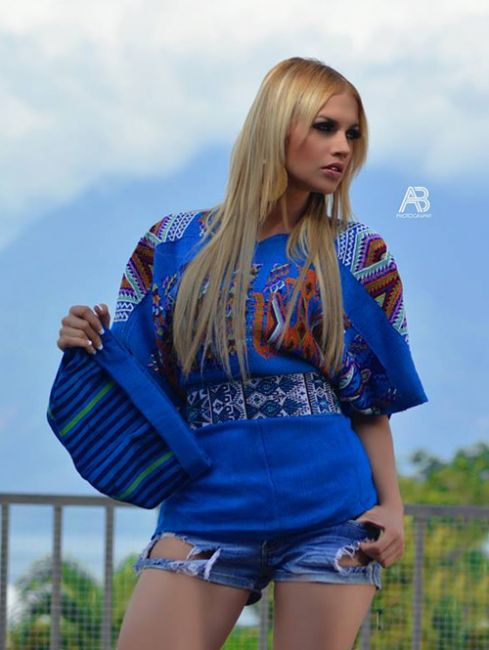 Moda guatemalteca con textiles mayas