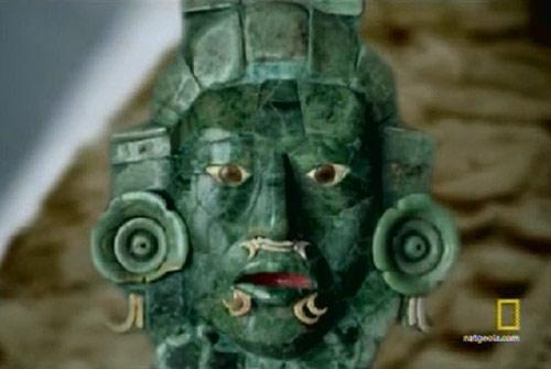 Figura de jade maya