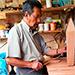 Historia de don Nayito, un fabricante de marimbas en Guatemala.