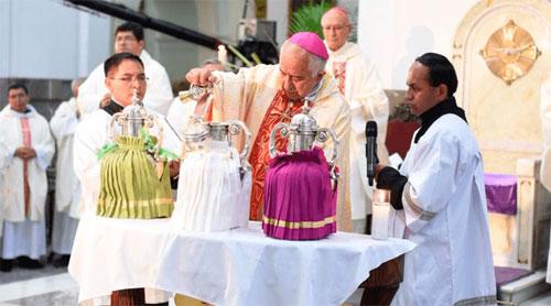 Consagran en la Catedral Metropolitana el Santo Crisma