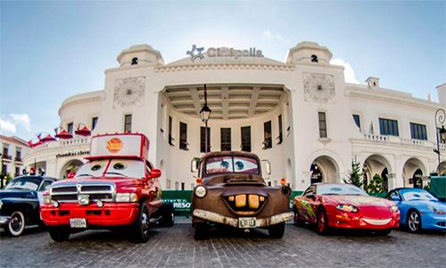 Exhibición de personajes de Cars en Cayalá.
