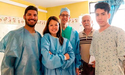 Cirugía dental gratuita.