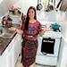 Cocinera migrante enseña cómo hacer chuchitos.