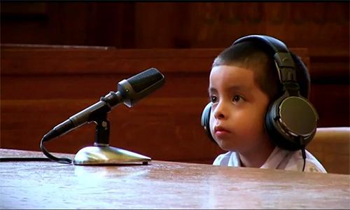 Niños migrantes tienen que ser sus propios abogados en cortes de Estados Unidos.