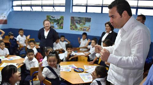 Gobierno invertirá Q170 millones en mil 200 escuelas